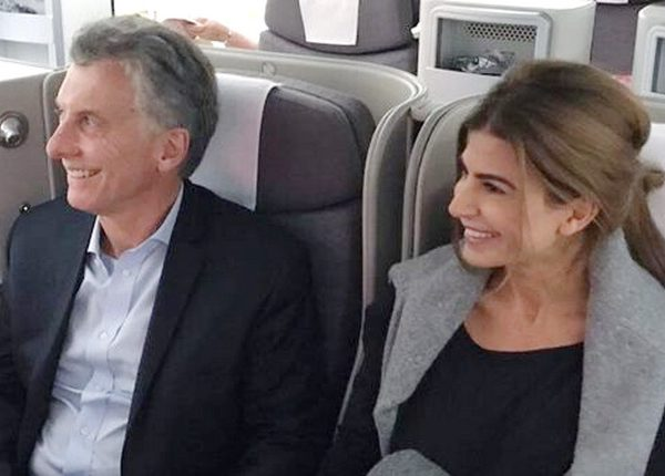 macri-awada-avion-madrid-