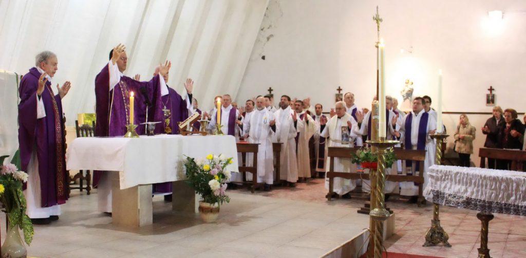 Misa exequias Delorenzo