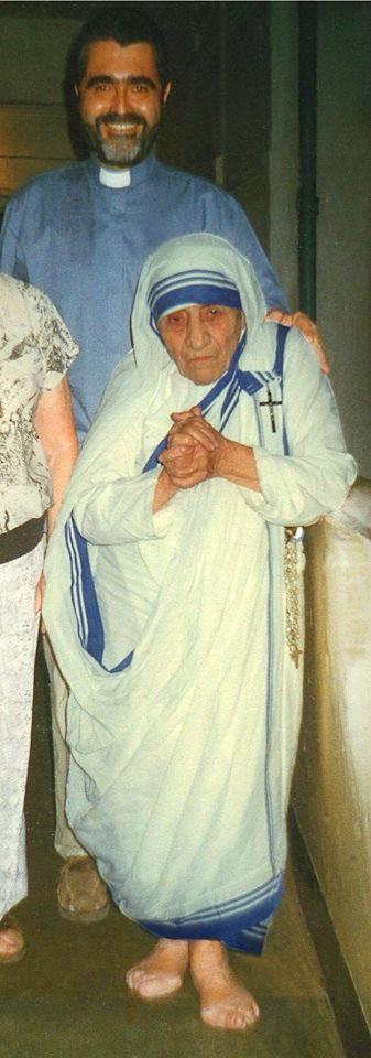 Ricardo con madre Teresa