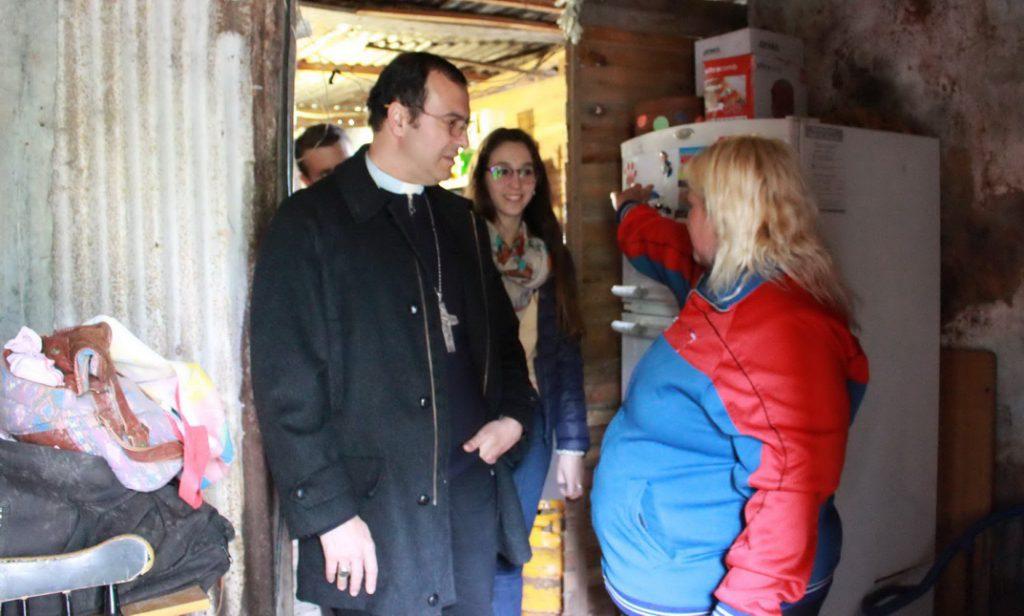 Visita del obispo a Nuevo Golf_2