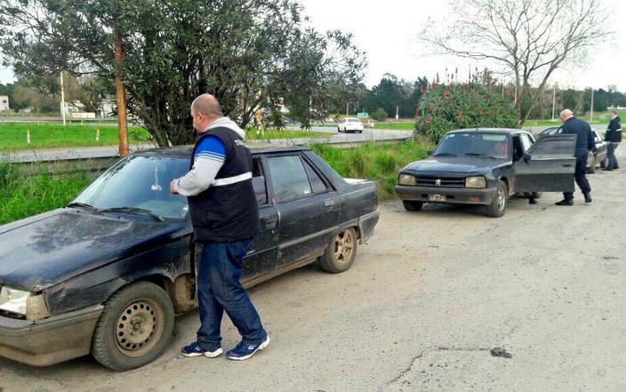 Secuestro tres remises ilegales 1