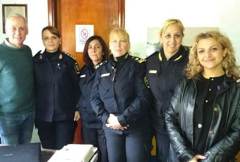 Escucharon avanza la comisaria de la mujer y cajeros en for Los cajeros automaticos