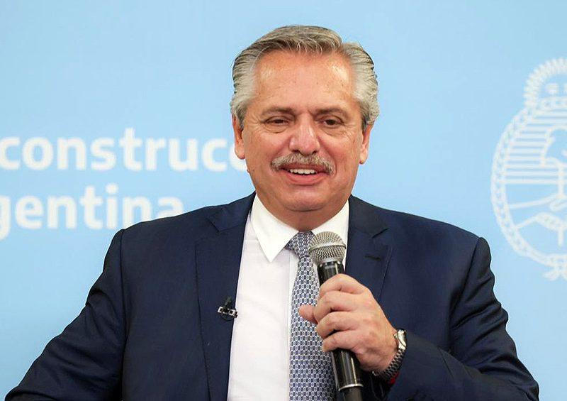 Presidente de Argentina llama a unidad para reconstrucción nacional en 2021